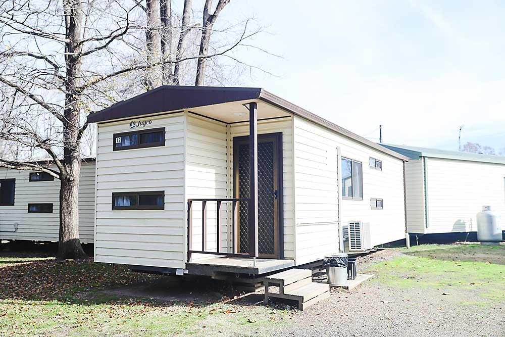 Riverglade CP Tumut Standard 6-Berth Cabin